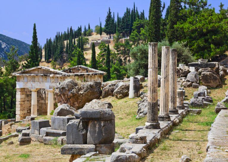 Athens tour to Delphi